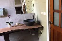 1F公共廁所及洗手台