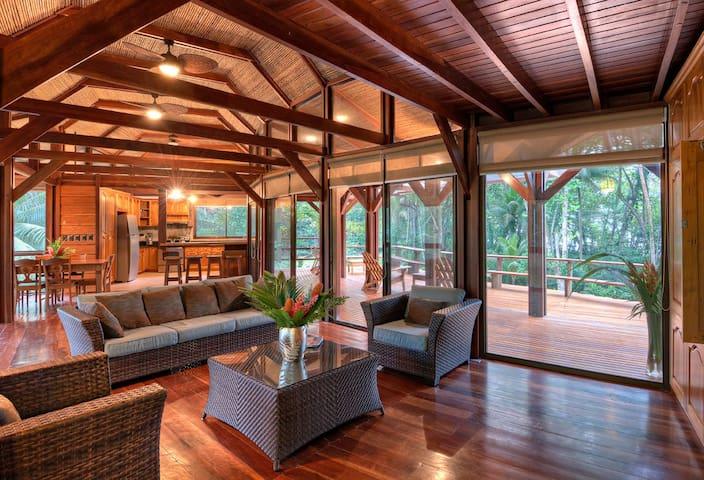 3BR spacious wooden luxury@thebeach - puerto viejo de talamanca