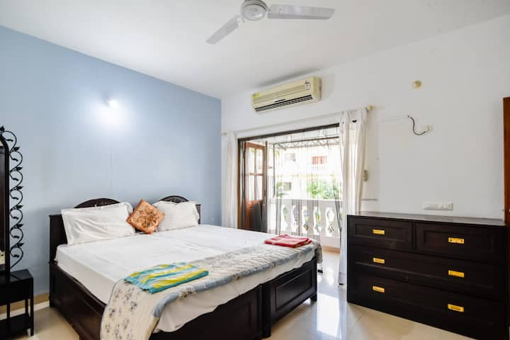 Cozy 2BHK fragpani suite at Varca