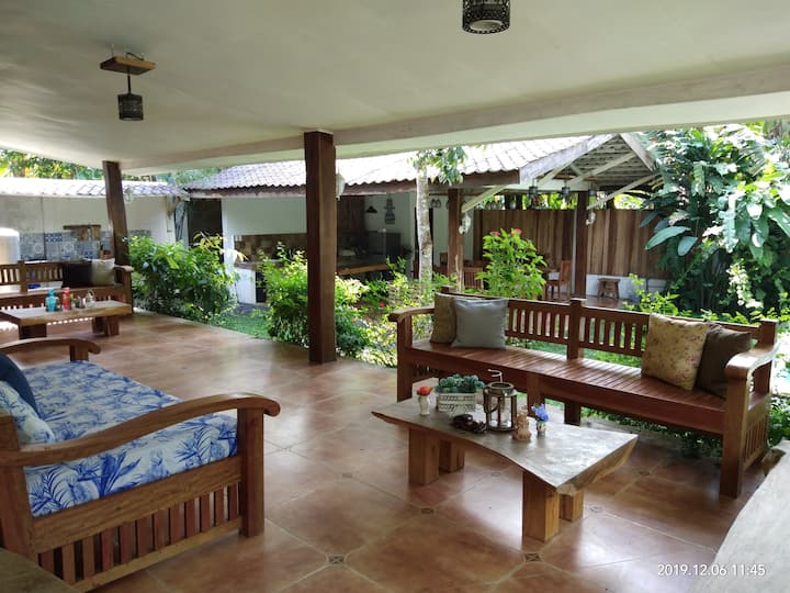 Casa Manalo a private villa w/pool near Tagaytay