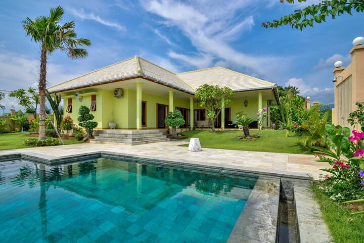 Lovely Villa With Enchanting Rice Paddies View