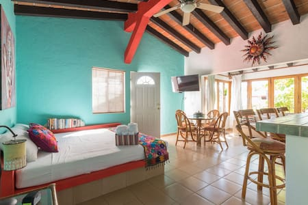 BeddaMamasita studio 150m beach +swimpool +wifi