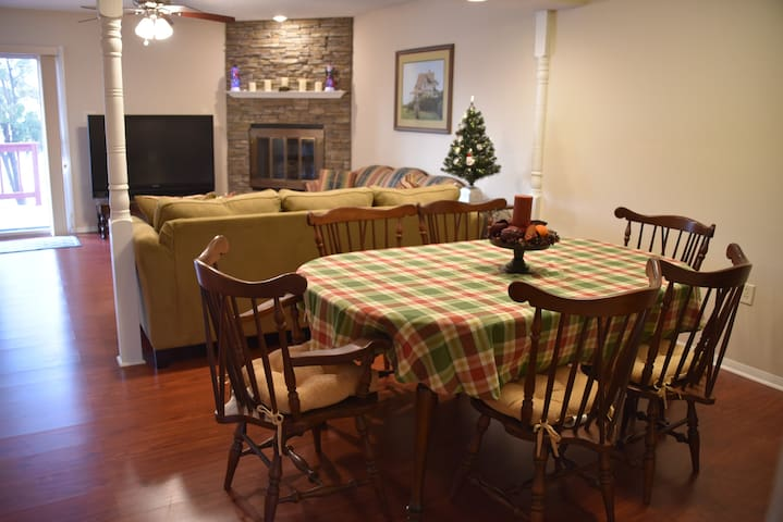 The 363 on Greenland a family friendly townhouse - Lancaster - Maison