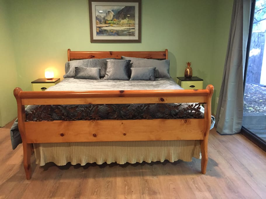 King bed with pillow top mattress