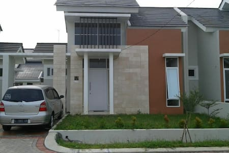 Vacation Home at Bogor District - Jonggol - 独立屋