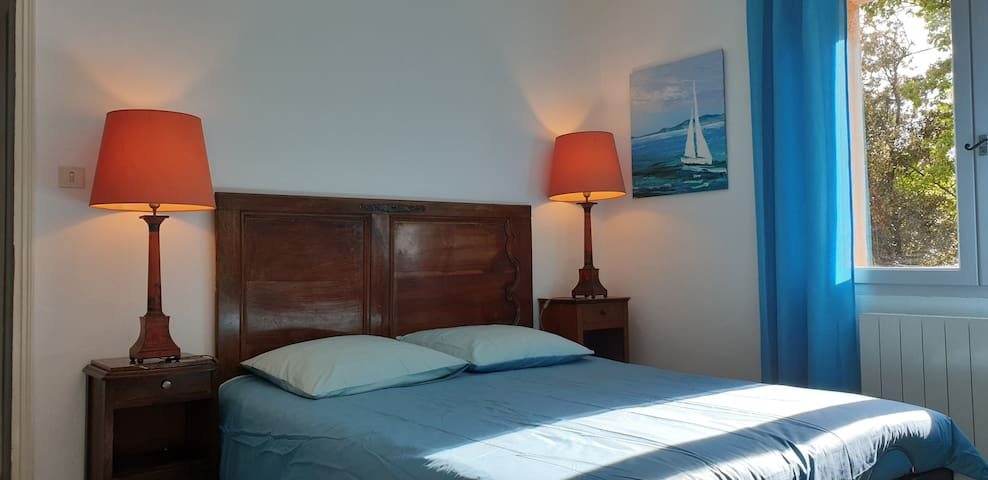Chambre bleu étage