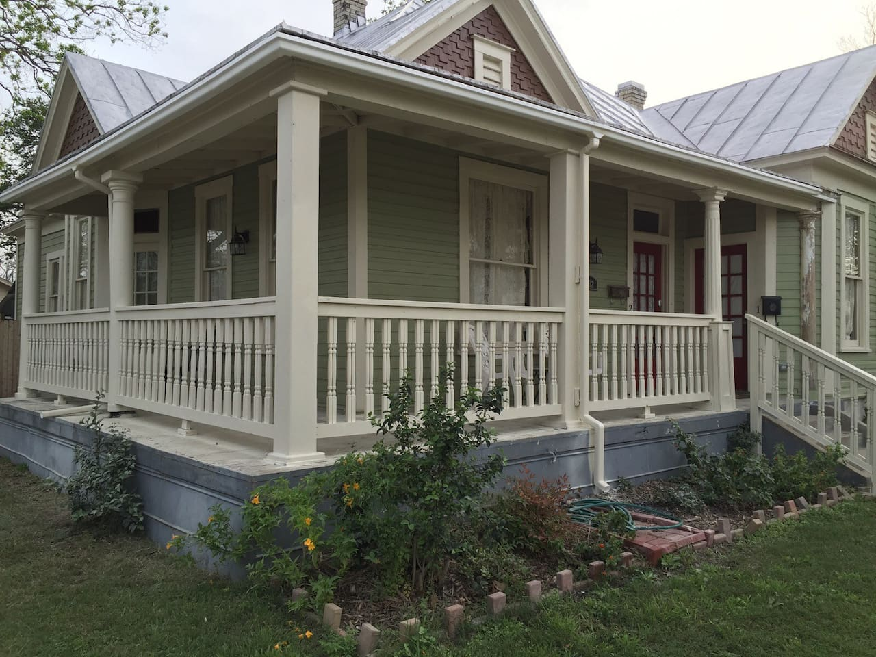 Early 1900's era Home with Wrap-around Porch