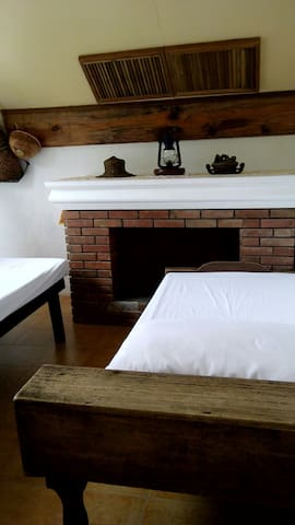 (ROOM 7) BAGUIO COUNTRY REST HOUSE