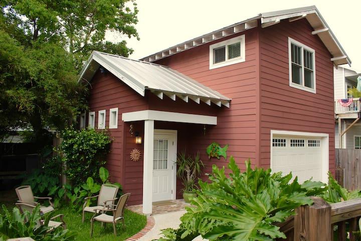 Studio Loft in Historic Downtown Ocean Springs