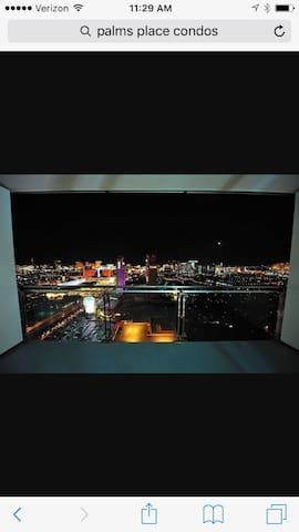 53rd Story Condo with Postcard View - Las Vegas - Condo