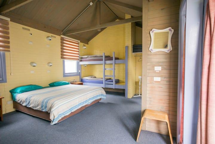 Private Family Room (sleeps 6), Ensuite Bathroom
