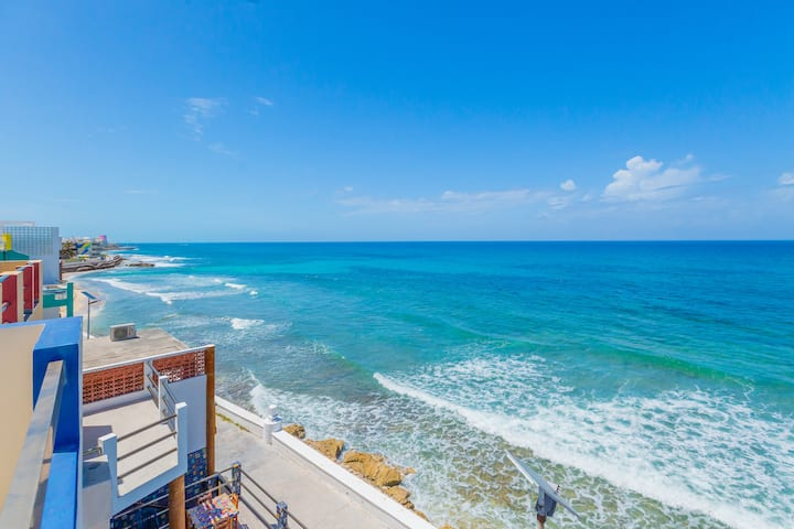 3/3 Luxury Oceanfront with Pool in El Centro
