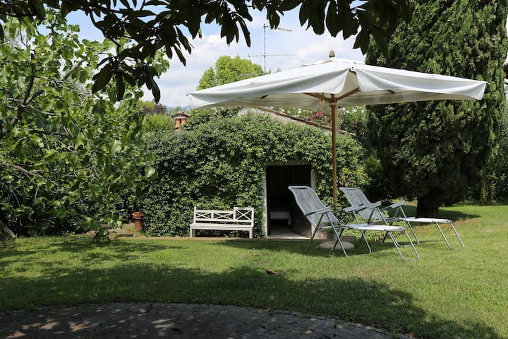 Charming Vintage Cottage with Pool, Tennis & more - San Felice del Benaco - Rumah Tamu