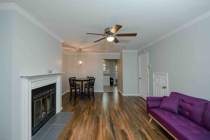 ★ Comfy Townhouse ★ 60%off! 10 minutes to DOWNTOWN