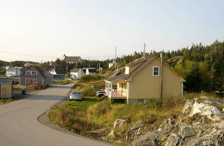 Yellow Ocean House Twillingate