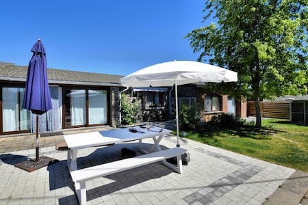 Cozy Holiday Home in Nisrâmont with Fenced Garden