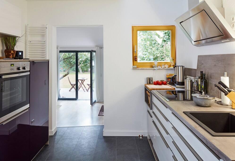 Küche - mit allen wesentlichen Utensilien ausgestattet