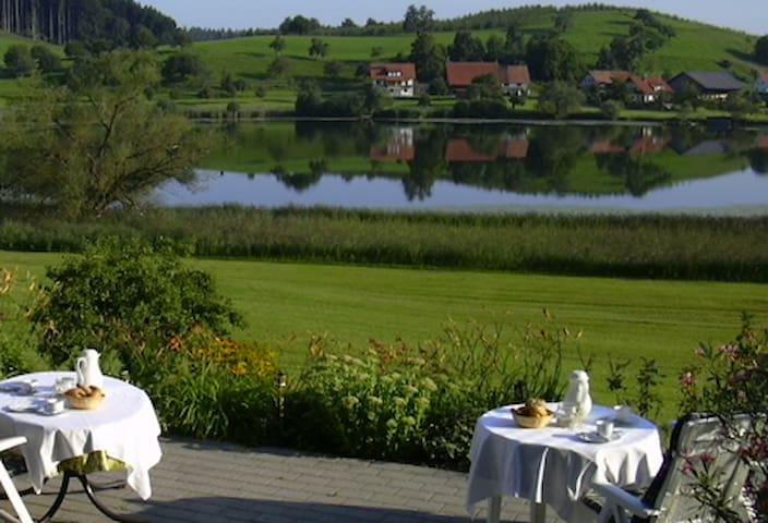 Gästehaus am Muttelsee/ Einzelzimmer/Frühstück