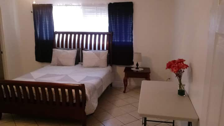 Comfort suite near white sand beaches and downtown