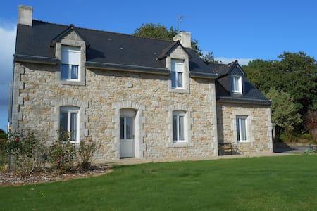 Maison bretonne, au calme, sans vis à vis - Bannalec