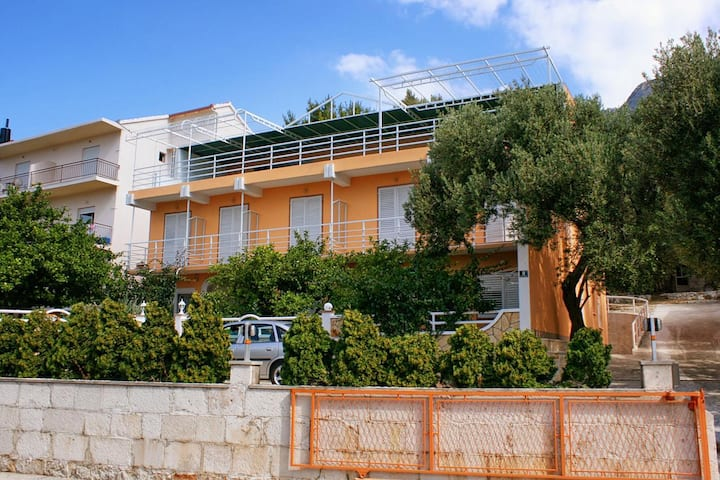 One bedroom apartment with balcony and sea view Gradac, Makarska (A-5198-b)