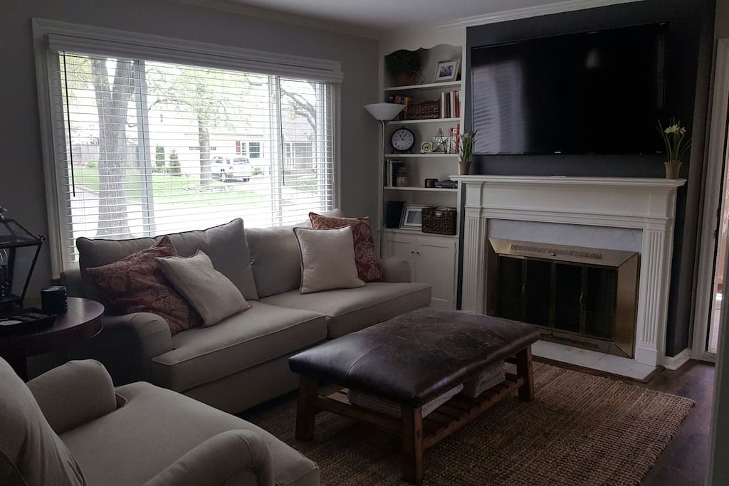 Living Room, Television set up with AT&T Uverse.