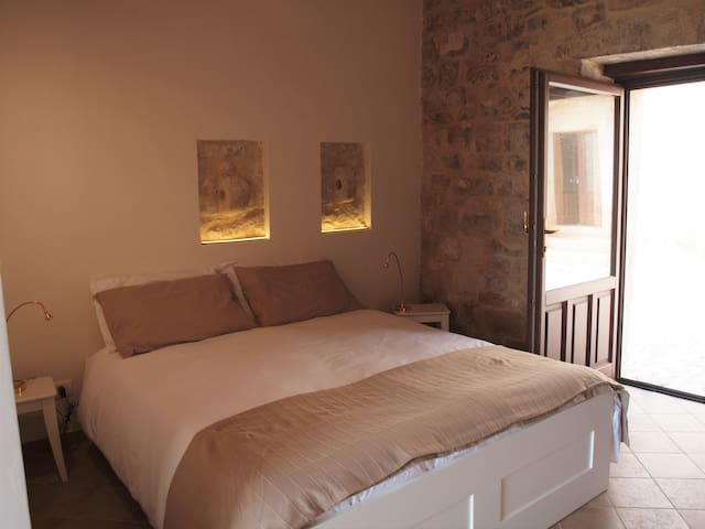 ARA' - CAMERA PIRANDELLO - Modica - Bed & Breakfast