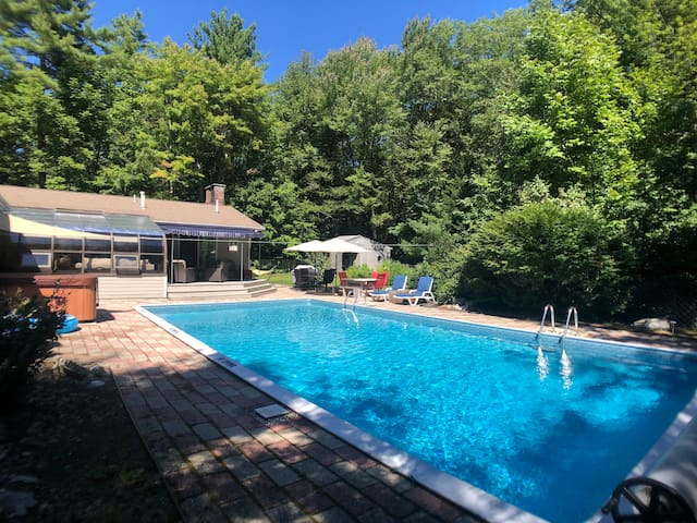 Andy's Retreat-Heated pool, Hot Spring jacuzzi, AC
