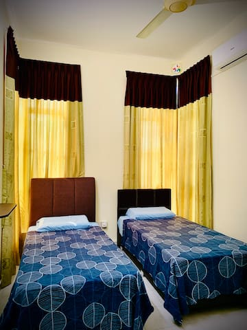 Intermediate Room - 2 Super Single Bedding, hotel quality mattresses which can occupy 2 Guest.