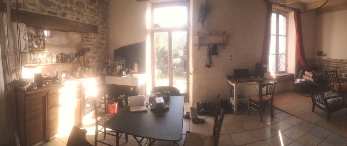 petite maison bigoudène à deux pas de la plage - Guilvinec - House