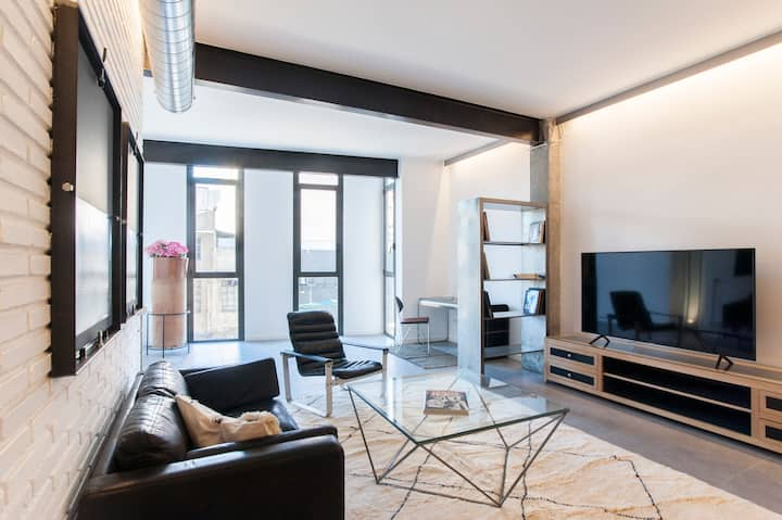 Authentic Loft close to the beach&downtown,22@2-4B
