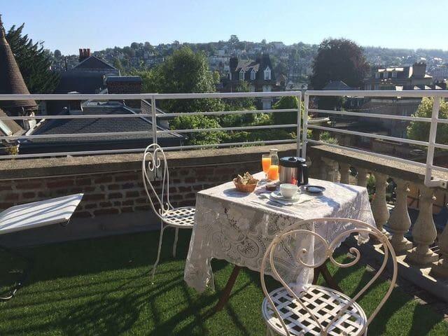 Chambres et terrasse vue féerique ! - Rouen - Apto. en complejo residencial