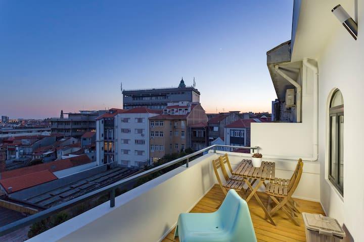 Oporto Rooftop 845 West