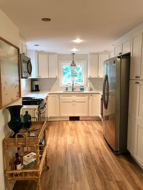 Newly renovated beach home in Cornfield Point