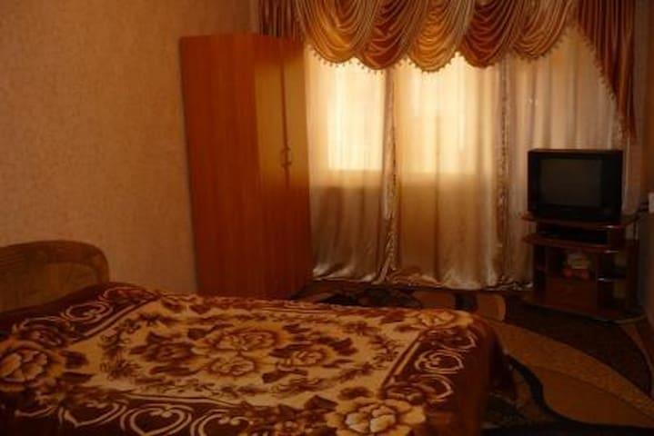 Сдается 1к.кв в 5 мкр,все есть - Bishkek - Apartment