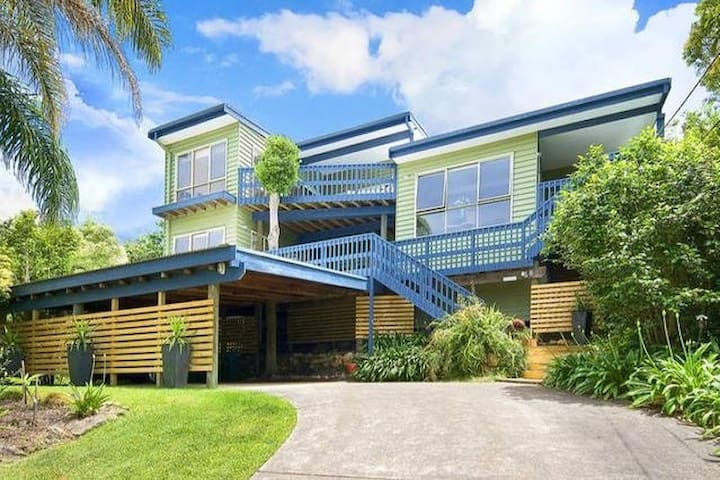 Huge King Bedroom SeaViews EnSuite - Elanora Heights - Casa