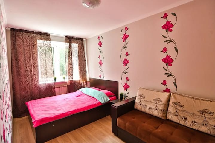 Жилина 13 HEY HOME Домашние Апартаменты - Tolyatti - Apartamento