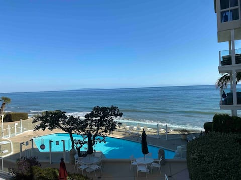 Carbon Beach stay.  Oceanfront 2 bedroom 1 bath