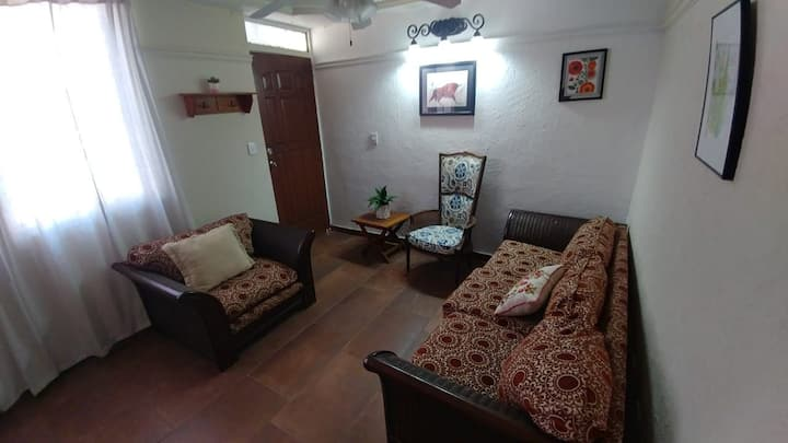 Casa de Dos Pisos || Two Story House