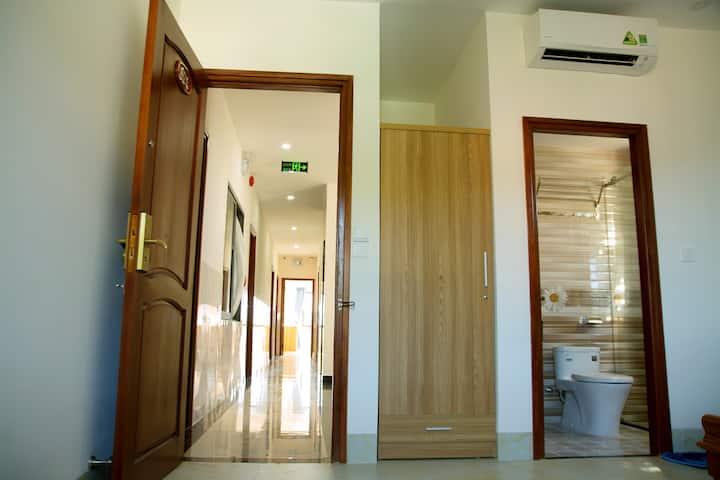 Standard Double Room/ Phòng tiêu chuẩn Giường đôi