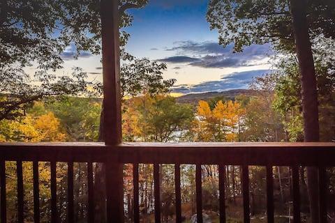 Lake Cottage w/ Views & Fireplace - Minimum Stay