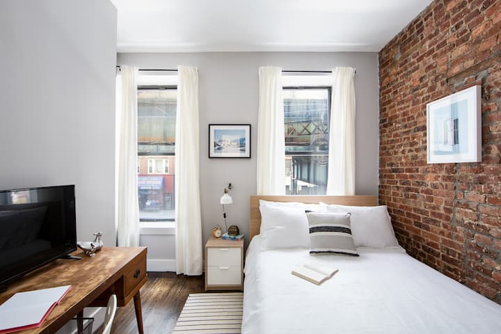 Airy Private Bedroom in Bushwick Broadway 2L-2