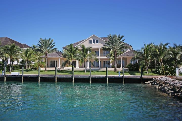 Luxury Harbour-front Villa