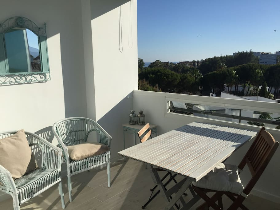 Terrace with afternoon sun and wonderful view/Terraza con sol de tarde y magnifica vista