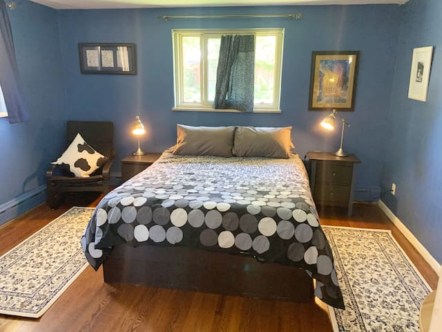 Private Master Bedroom/ 420 Friendly