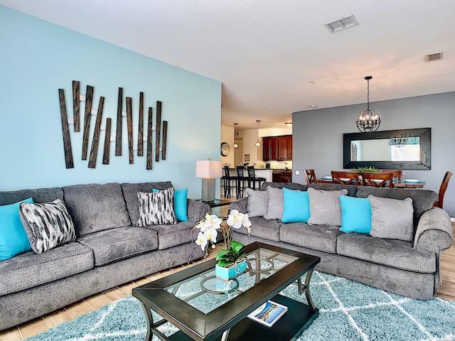 Vista Cay Luxury 4B Condo