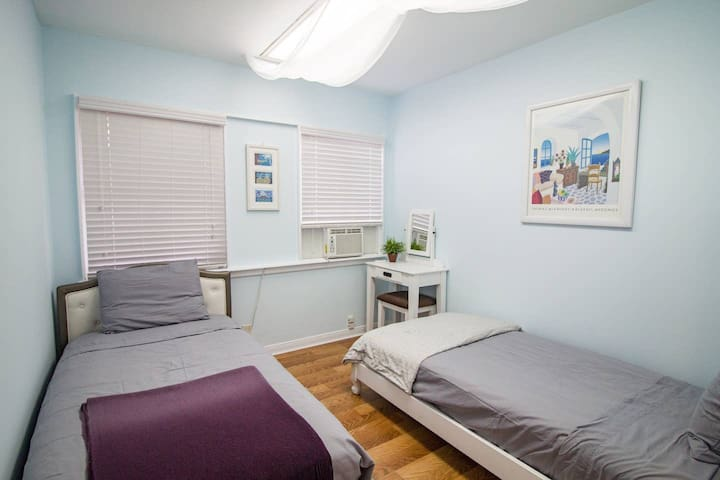 Private Room | 12min SantaMonica Pier | 2min Metro