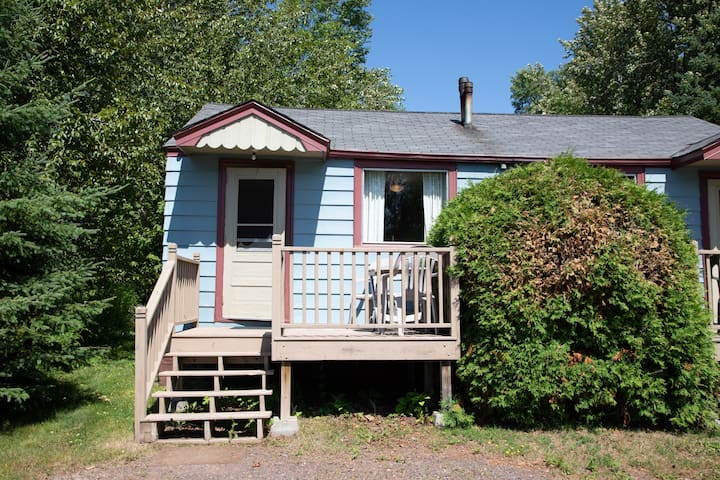 North Shore Cottages Cabin 7 is a one-bedroom duplex-style cabin on Lake Superior`s North Shore