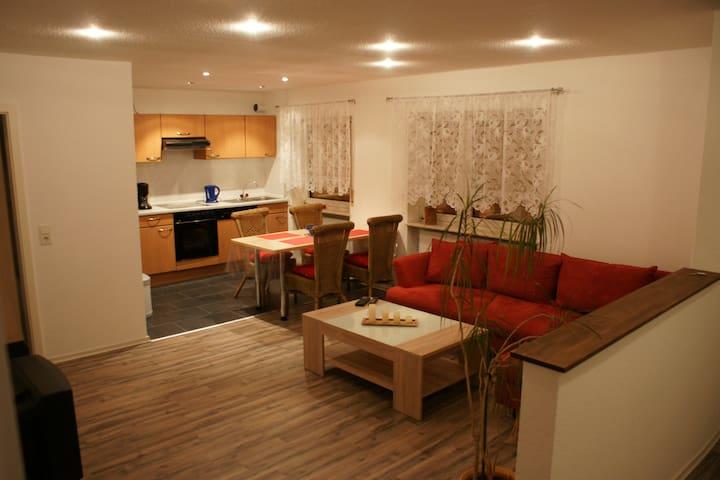 Liebevoll gestaltete Wohnung - Bad Schwalbach - Lejlighed
