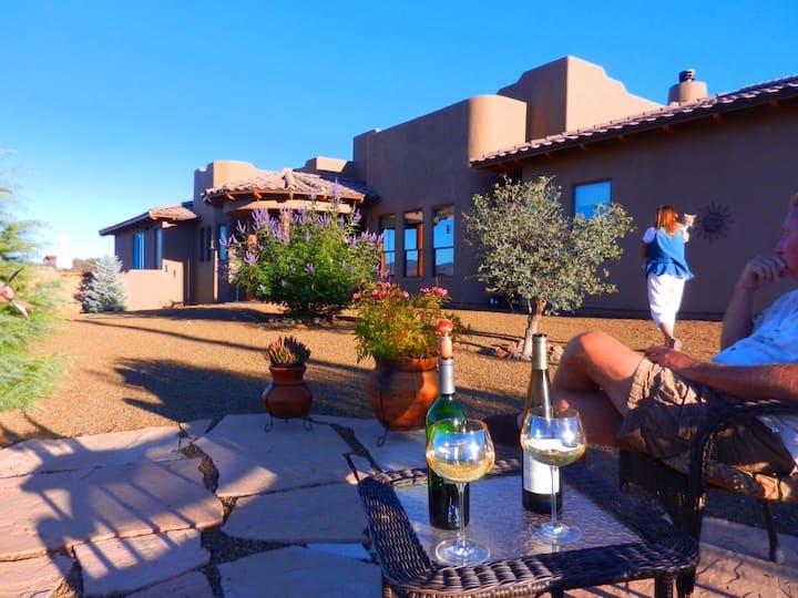 Picturesque Santa Fe Estate Escape - Room #2